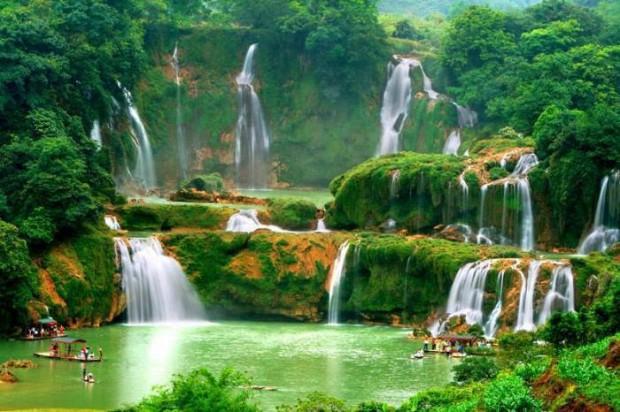 Algumas das mais impressionantes paisagens pelo mundo! Detian Water Falls, China