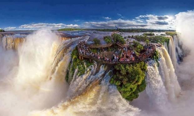 Algumas das mais impressionantes paisagens pelo mundo! Iguazu Falls - AR BR
