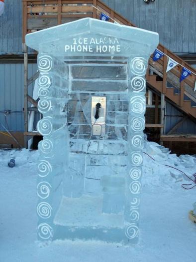 Alô Quer ver os diferentes telefones públicos pelo mundo Alasca
