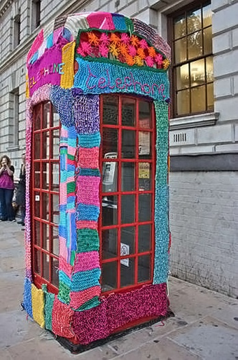 Alô Quer ver os diferentes telefones públicos pelo mundo Londres