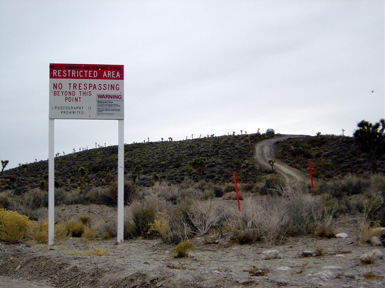 Sete lugares BEM estranhos por aí! Área 51