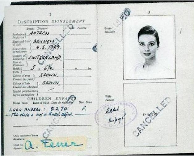 Todo mundo tem que ter passaporte, até os famosos! - Audrey