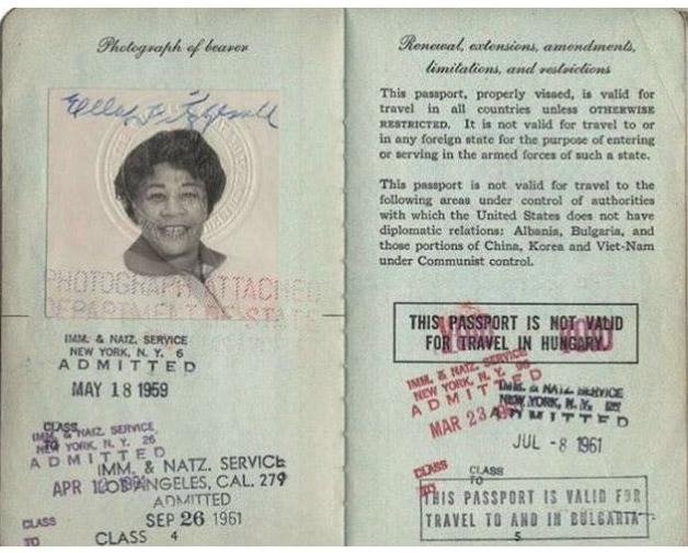 Todo mundo tem que ter passaporte, até os famosos! - Ella