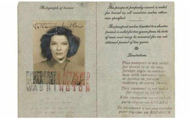 Todo mundo tem que ter passaporte, até os famosos! - Hepburn