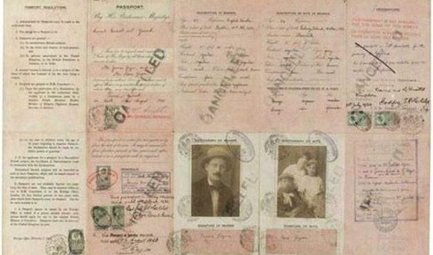 Todo mundo tem que ter passaporte, até os famosos! - Joyce