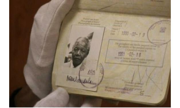 Todo mundo tem que ter passaporte, até os famosos! - Mandela
