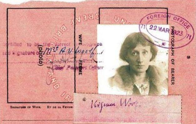 Todo mundo tem que ter passaporte, até os famosos! - Woolf