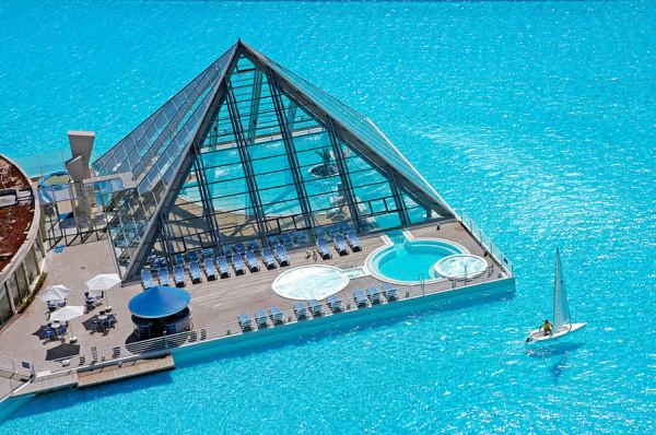 A maior piscina do mundo!9