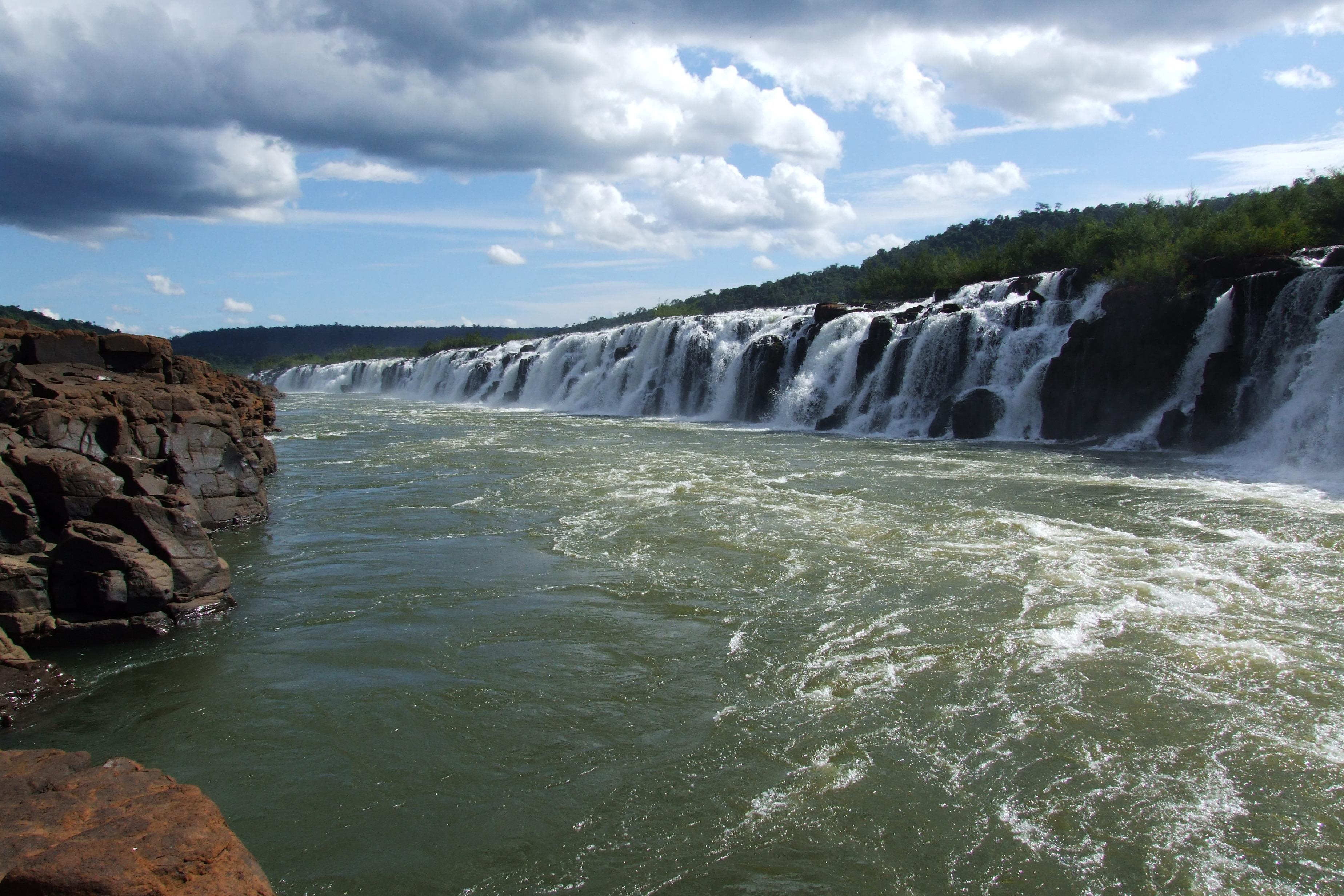 Conheça as 10 cachoeiras mais bonitas do Brasil! Salto Yucumã