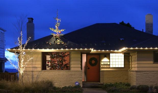 Veja as diferentes árvores de Natal por aí! teto