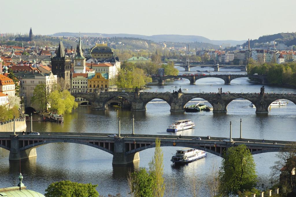 Praga, na Republica Tcheca, é um destino surpreendente para viajar sozinho