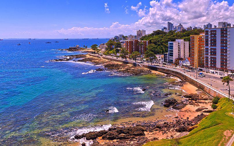 Foto aérea da praia de Salvador